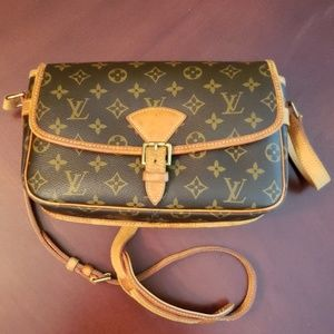 Louis Vuitton Cross Shoulder Bag